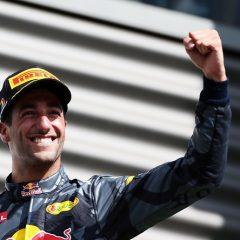 F1 2017: Nel caos di Baku vince Ricciardo