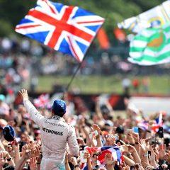 F1 2017: a Silverstone monologo Hamilton e buio Ferrari
