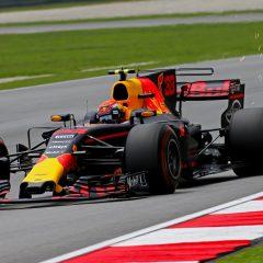 F1 '17: in Malesia vince Verstappen, rimonta Vettel ma Hamilton allunga