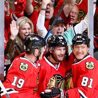 Stanley Cup Finals: brutti Hawks ma è 2-2