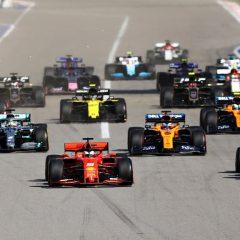 F1 '19: beffa Ferrari, Sochi per Hamilton